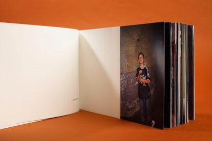 Otwarta książka pod tytułem Fenomenalne powierzchnie tnące.