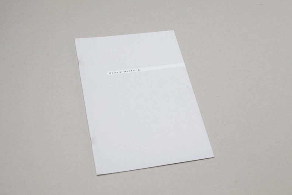 Okładka publikacji fotograficznej beztytułu (puk puk)