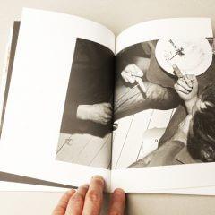 Otwarta książka podtytułem Poród