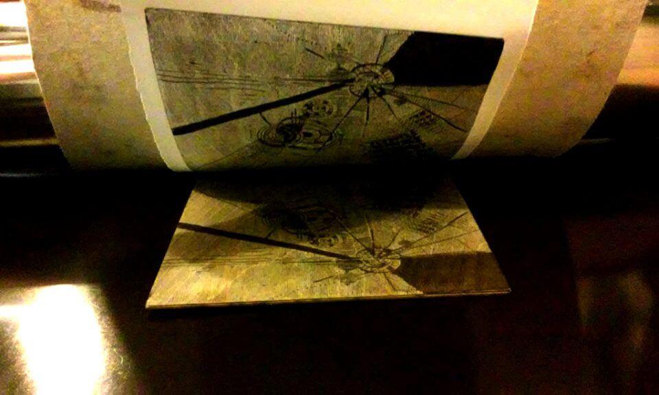 Kadr zwarsztatów litograficznych imokulito.