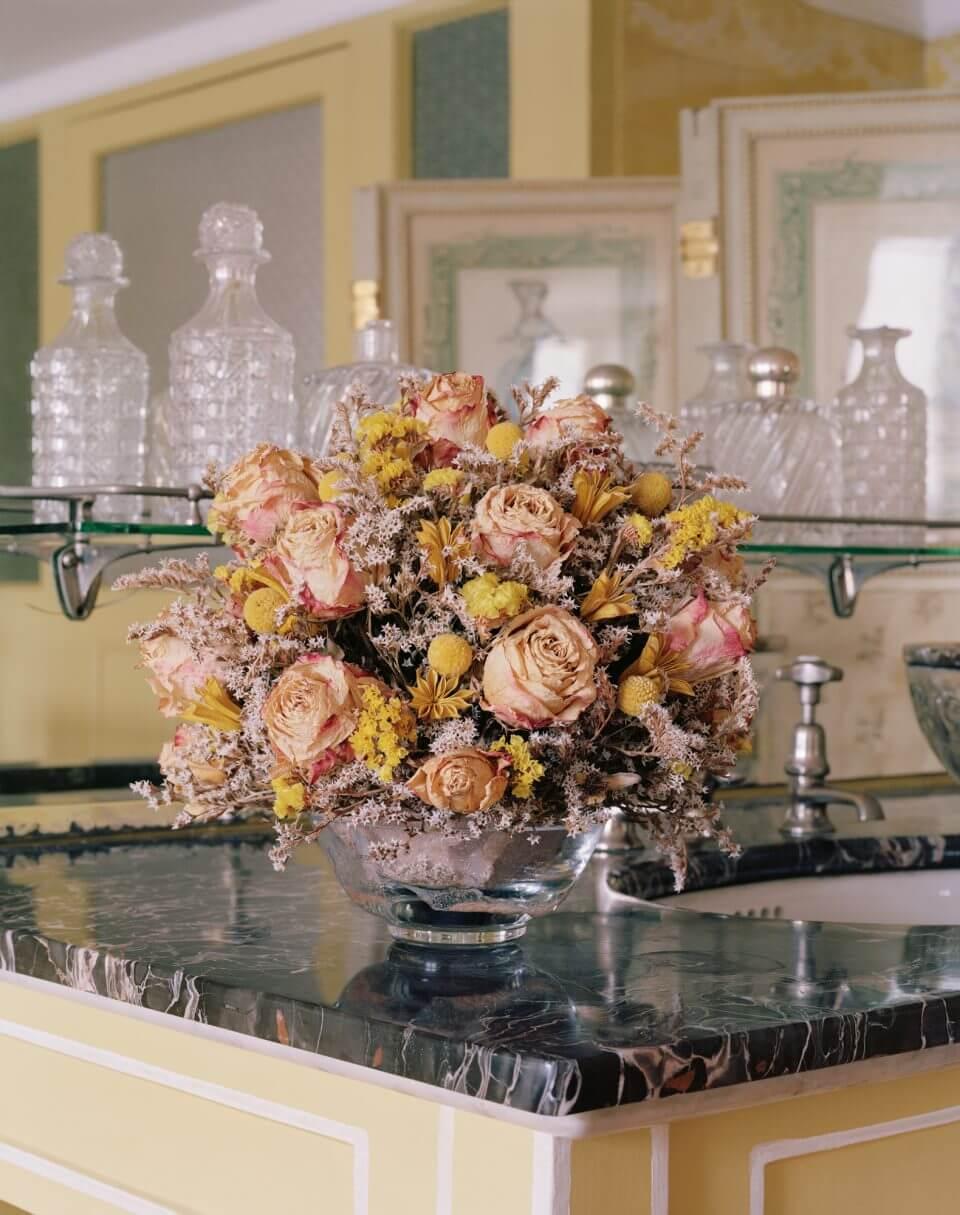 Bukiet ususzonych kwiatów.