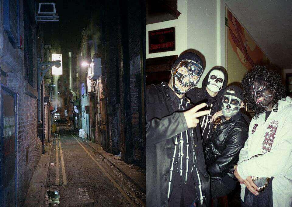Dwa zdjęcia - zciemną uliczką igrupą ludzi wprzebraniach nahalloween.